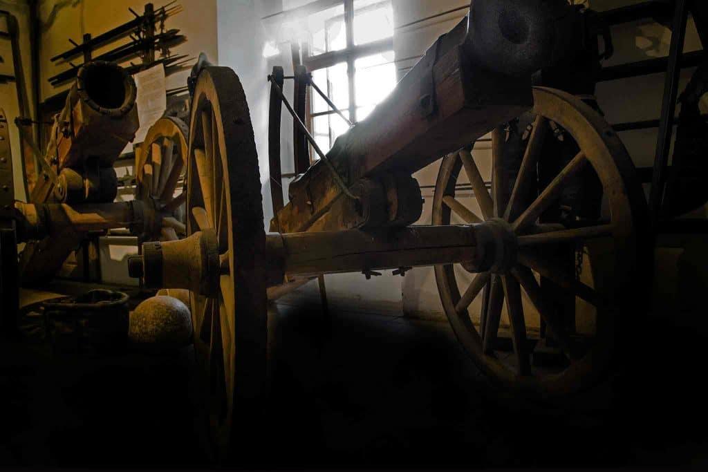 2mus Hochosterwitz Kanonen Foto August Zoebl 2015 web 1024x683 1