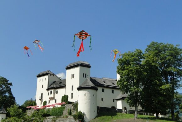 Castle small FotoKVGoldegg KarinWenger1